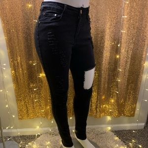 Fashion Nova✨Destroyed Skinny Jeans 👖